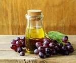 Grapeseed Oil for Face: How To Use It For Optimal Results