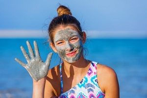 The 5 Best Dead Sea Mud Masks (That Really Work)